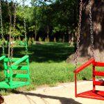 Huśtawka ogrodowa dla maluszka – jaką wybrać?